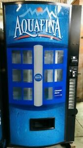 Vendo 601 Aquafina Water Soda Vending Machine Bottle Can