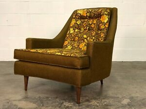 Mid Century Modern Lounge Chair With Reversible Seat Cushion