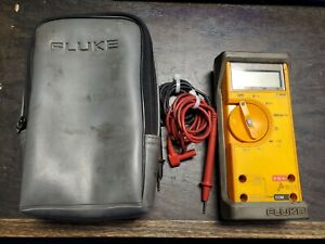 Fluke 23 Multimeter