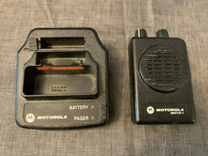 Motorola Minitor V Pager And Charging Station no Power Cord
