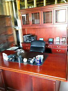 Ofs Brand Executive Office Desk With Credenza And Hutch Set With Chairs