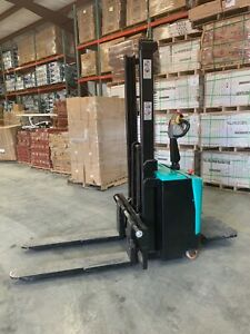 Green Hydraulic Hand Electric Forklift