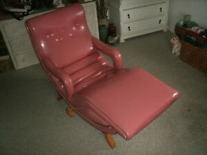 1950 S Mid Century Modern Pink Vinyl Lounge Chair No Shipping