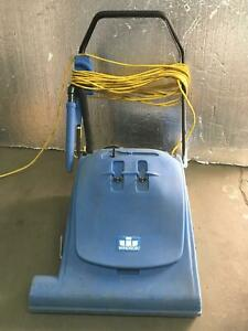 Windsor Wave Commercial Wide Area Vacuum Working