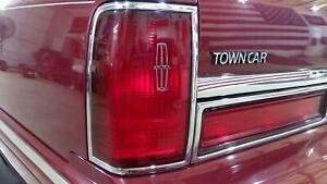 90 97 Lincoln Town Car Left Driver Tail Light Tail Lamp Assembly Oem