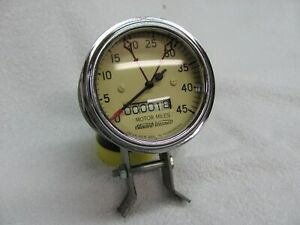 Stewart Warner 4500rpm Motor Miles Tachometer V 8 Curved Glass 3 Inch Cable Driv