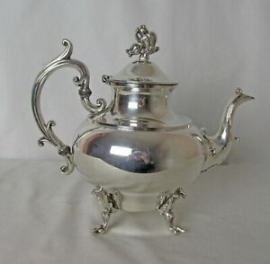 Middletown Sp Co Silver Plated Teapot Flower Finial C 1930 S Lovely Piece