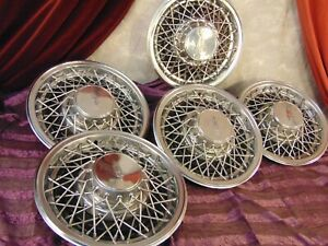 Set Of Five 1978 1979 1980 Oldsmobile Wire Type Hubcaps Clean Set