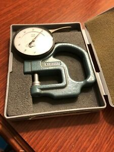 Pre owned Mitutoyo 7326 Thickness Gauge Dial Indicator No 2804 10 W Case