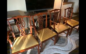 4 Antique Woodwork Dining Chairs