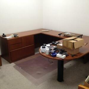Executive Desk local Pick Up Only