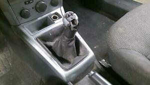 08 09 Saturn Astra Manual Floor Shifter With Knob boot no Cables Oem