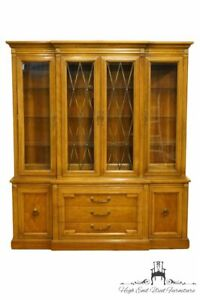 Thomasville Furniture Milano Collection 70 Illuminated Display China Cabinet
