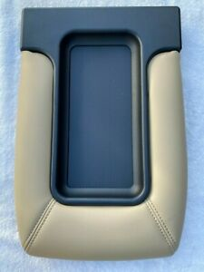 Center Console Storage Top Lid Armrest Cover Beige For 99 07 Silverado Sierra