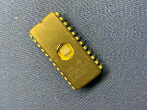 Qty 1 Tms2732a 25jl Ti Eprom Ceramic 24 pin Dip Vintage Old Style Pkg Uos Pull
