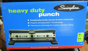 Swingline Heavy Duty 2 To 3 Hole Punch 7074440e