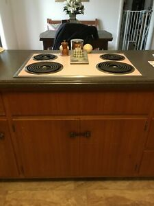 Vintage 1950 s Hotpoint Electric Stove And Wall Oven In Petal Pink Movie Prop