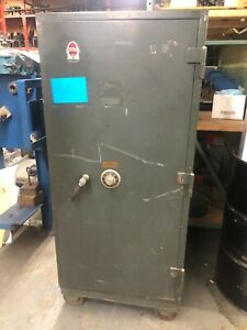 Mosler Safe f1 d Fire Insulated Rated Class B W heavy Duty Caster Wheels