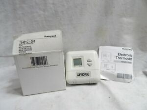 Honeywell Electronic Thermostat T8401c 1098 Non programmable