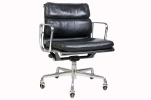 Herman Miller Eames Soft Pad Group Management Chair