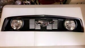 2010 2012 Ford Mustang Gt Front Grille w fog Lamps Oem