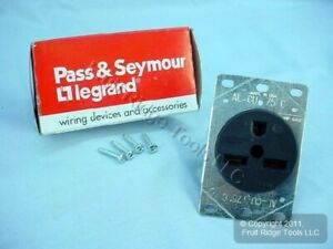 New Pass Seymour Straight Blade Receptacle 6 30 30a 250v 3801 Boxed