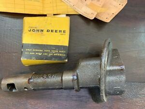 Nos John Deere Oil Pump Body Am730t Pump Cover M38t Genuine 40 M Mc Mi Mt