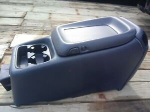 1999 02 Chevy Avalanche Silverado Gmc Sierra Center Console Main Oem
