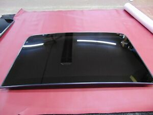 2011 2018 Chrysler 300 Moonroof Sunroof Glass Rear Piece Only