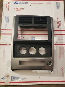 2008 2012 Jeep Liberty Radio Bezel Trim 1820775dx9