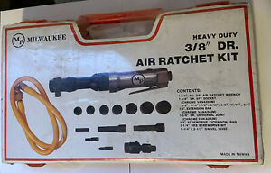 Milwakee 3 8 Air Ratchet Kit open Plastic See Picture