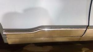 1968 Chrysler New Yorker Right Rear Door Molding trim Oem