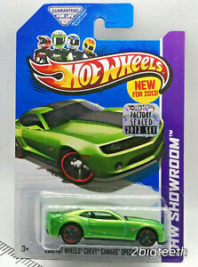 2013 Hot Wheels Showroom 13 Chevy Camaro Special Edition Green Factory Sealed