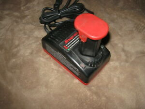 Snap on Tools Battery And Charger Ctc572