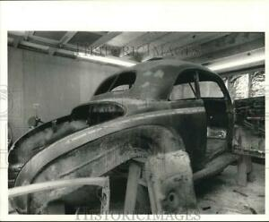1977 Press Photo 1940 Mercury Club Coupe Being Restored By Louis Eidson