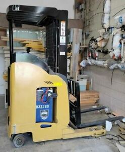 2008 Yale Nr 040 Electric Forklift And Charger