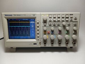 Tektronix Tds 2004b 60 Mhz 4 Channel 1 Gs s Color Oscilloscope Great Condition