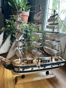 Vintage Wood Model Navy Sailing Ship Uss Constitution Old Ironsides 1779 15 X16