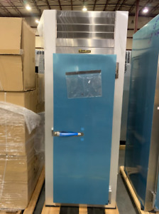 Traulsen G14312p 1 Section Pass Through Solid Door Hot Food Holding Cabinet