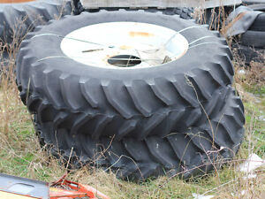 18 4r38 Goodyear Dyna Torque Radial Tires On 10 bolt Rims with Hubs 4dt177