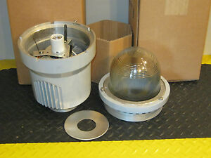 Cooper Crouse hinds Evls Hazard gard Lighting Fixture Evls4070 mt 70w 120v
