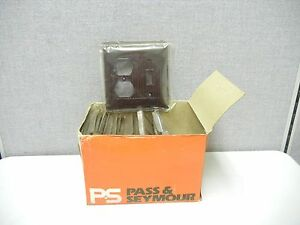 Box Of 18 Pass Seymour D 18 x New Duplex Receptacle single Toggle Covers D18x
