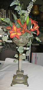 Antique Victorian Bradley Hubbard Cast Iron Oil Lamp Stand Flower Plant Holder
