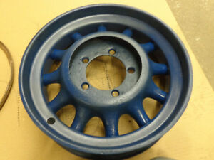 Antique Car 16 Cast Spoked Wheel W 183