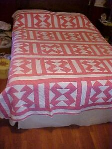 1930s Pieced Quilt Pink White Geometric Design