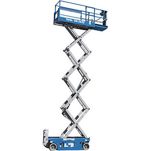 Genie Self propelled Scissor Lift Aerial Work Platform 26ft Lift 500lb Cap