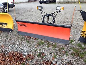 Curtis Sno Pro 3000 Snow Plow 6 6 Poly Plow Fits Several Smaller Trucks
