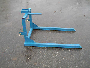 3 Point Hitch Hay Spear 0922 Blue