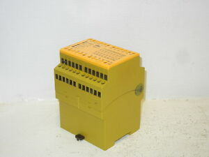 Pilz 774085 Used Pnoz 11 7s 1o Safety Relay 774085