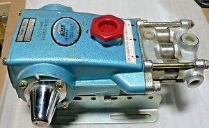 Cat Pumps Model 323 Triplex Pump 5gpm Discharge 1500psi Speed 1000rpm nos